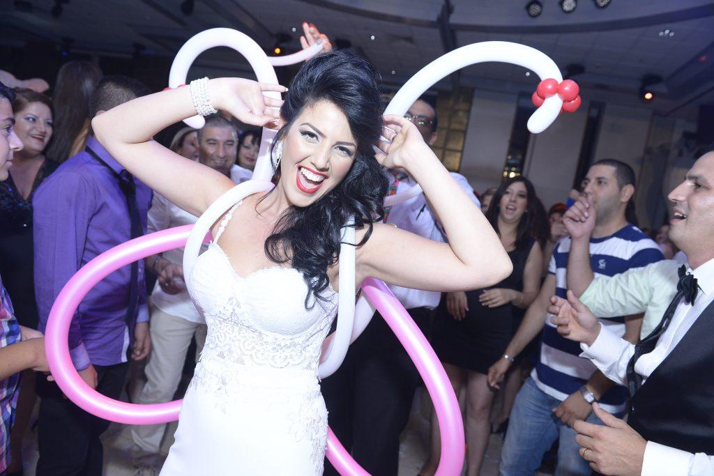 כלה ביום החתונה! בלונים לחתונה